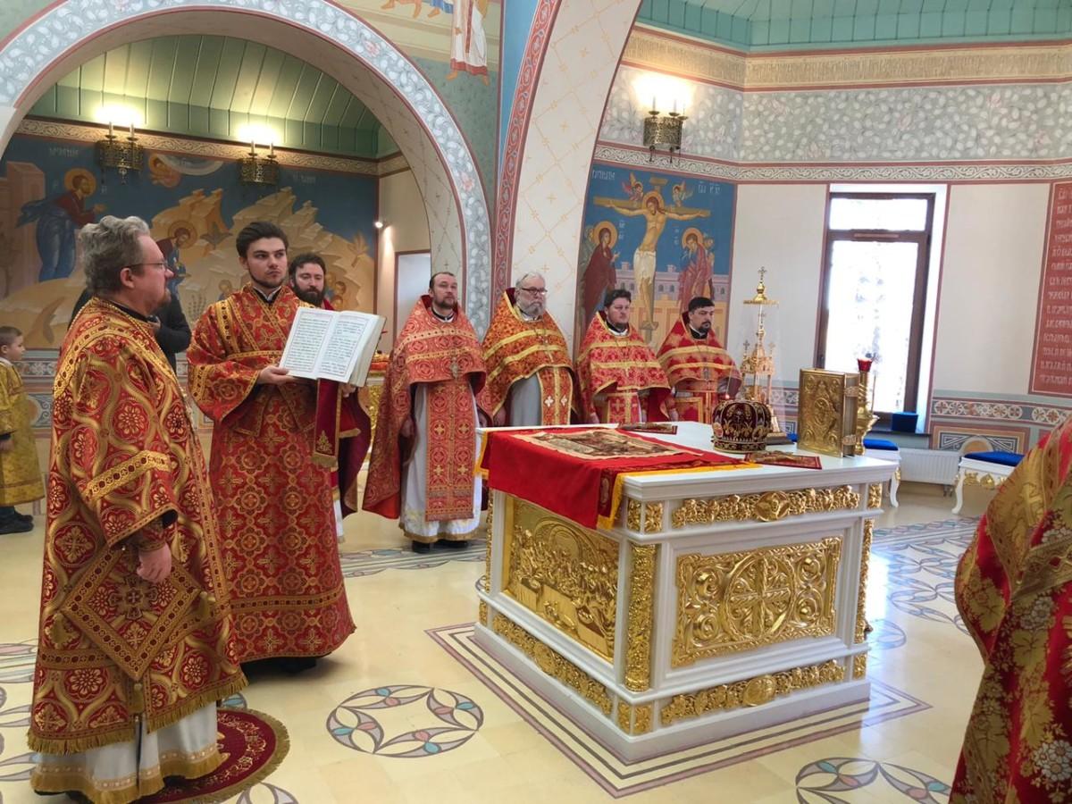 Наместник Коневской обители сослужил епископу Выборгскому и Приозерском Игнатию, священноархимандриту монастыря, за Литургией в Рощино