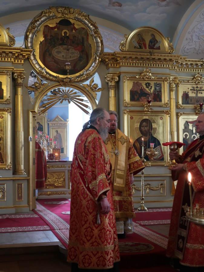 В день памяти мученика Саввы Стратилата владыка Игнатий совершил Литургию в Коневской обители