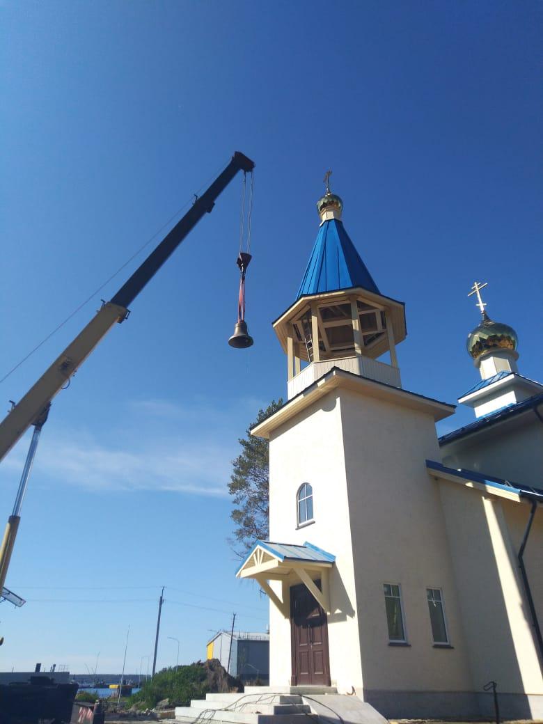На храм Всех Коневских святых в бухте Владимировка подняты колокола