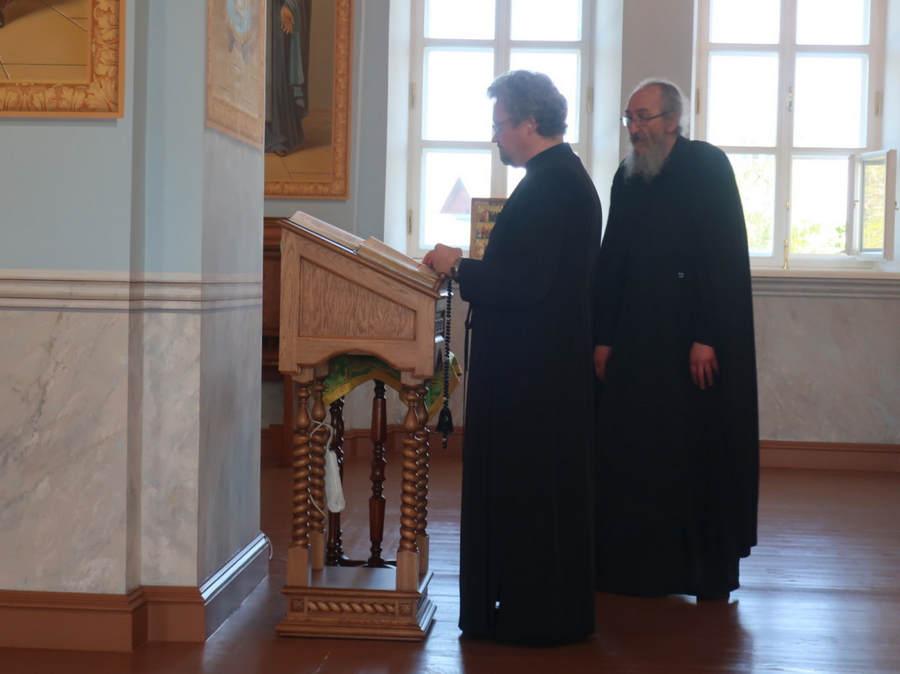 Владыка Игнатий  совершил Божественную литургию в Сретенском храме Коневского монастыря