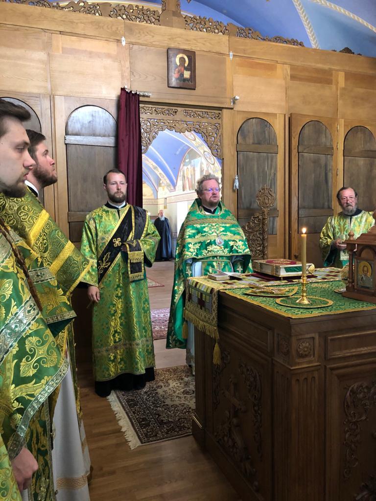 Владыка Игнатий совершил богослужения в Свято-Арсениевском храме Коневской обители