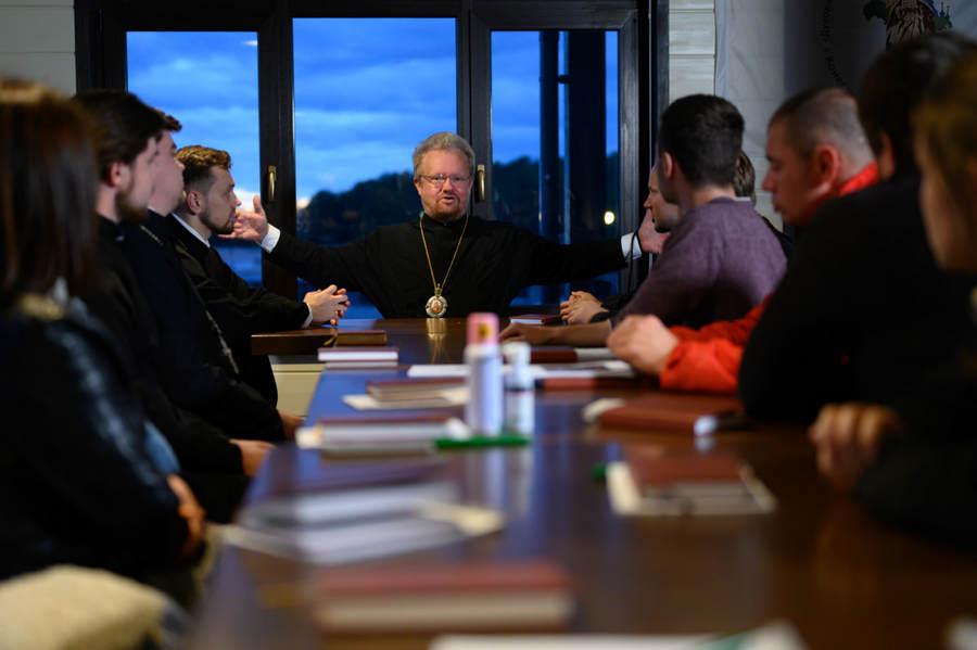 На острове Коневец впервые в истории православных молодежных форумов состоялась встреча с космонавтом