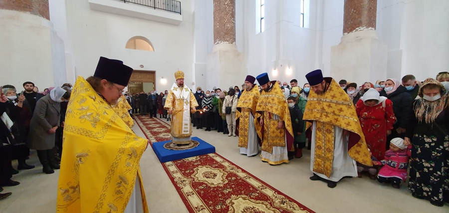 Наместник Коневского монастыря сослужил Преосвященнейшему Игнатию за Божественной литургией в Кудрово