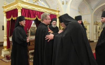 Преосвященнейший Игнатий прибыл в Коневский монастырь, где совершил Великую вечерню