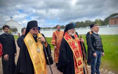 В ходе торжеств 30-летия возрождения монашеской жизни на Коневце епископ Выборгский и Приозерский Игнатий освятил отреставрированное здание монастырского музея