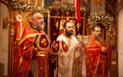 В Фомину неделю, день Антипасхи, наместник Коневского Рождество-Богородичного монастыря возглавил Божественную литургию на петербургском подворье обители