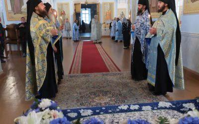 В Коневском монастыре торжественно встретили праздник Успения Пресвятой Богородицы